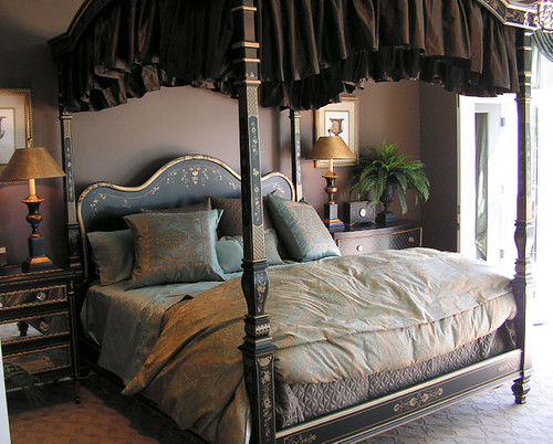 Canopy bed, Verandah Bay [Street of Dreams]