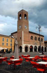 Main square, Fano (Rockies) Tags: italy orange brick square italia chairs centre clocktower tables fano europetrip2006