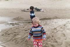 everett and carter, manzanita beach, april 2005 (cafemama) Tags: beach oregon mamas carter everett manzanita oregonbeach manzanitaoregon everetthanson urbanmamas carterhagedorn