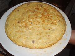 Spanish omelette with chorizo /Tortilla española con chorizo