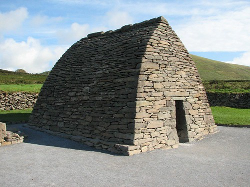 Gallarus Oratory front/side