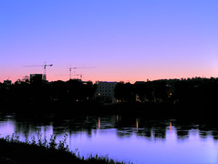 silhouettes (Mexxi) Tags: pink blue reflection water river dawn mirror inn purple sundown silhouettes cranes passau gradients mexxi dreiflssestadt