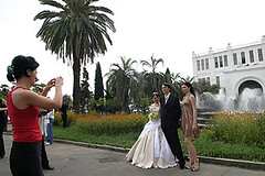 Wedding in Sukhumi (randbild) Tags: city houses wedding blackandwhite house palms georgia town photo war republic foto fotograf fotografieren photographer capital hauptstadt paar photojournalism haus marriage republik krieg palm civilwar stadt caucasus conflict gus independence wei hochzeit weiss palme province photographing photojournalist huser separated palmen kaukasus stadtansicht udssr abkhazia provinz sowjetunion georgien fotoreportage separatism coulpe unabhngigkeit abtrnnig unrecognized fotojournalismus konflikt hochzeitsfoto  photoreportage brgerkrieg photojournalismus  abchasien abgespalten suchumi sokhum sokhumi abgespaltung apsni separatismus  apsny  apchaseti abchasija fotojournalist