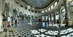 Chteau de Vaux le Vicomte - 01-09-2006 - 15h52 (Panoramas) Tags: light shadow france castle statue louis shadows pavement lumire perspective grand ombre le salon chteau hdr vicomte ptassembler xiv vaux fouquet carrelage ovale etiennecazin interestingness149 i500 smartblend frhwofavs tiennecazin