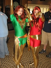 IMG_4367 (Patcave) Tags: costumes girls phoenix dragon 2006 xmen con dragoncon jeangrey dragoncon2006