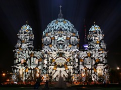 Patterned Cathedral (Berlin) (M Kuhn) Tags: berlin night nacht festivaloflights berlinerdom berlincathedral oberpfarrunddomkirchezuberlin festivaloflights2006
