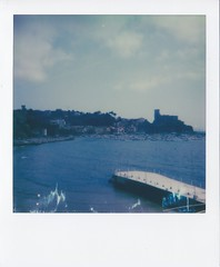 Polaroid Week 2018 - Lerici, Italy (igorigor88) Tags: polaroid week polaroidweek instant photography analog analogico film pellicola vintage old cielo sky nature molo pier sun sole clouds nuvole mare sea italia italy northitaly liguria laspezia lerici alberi trees acqua water castello castle barche boat landscape paesaggio view vista spring primavera april aprile travel trip vacation holiday viaggio vacanza gita impossible project impossibleproject