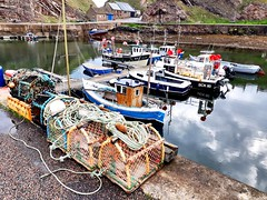 Portknockie harbour (calzer) Tags: phone samsung small rocks portknockie harbour scene view boats quay sunday morning moray coast scotland
