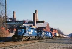 CR 6396 6353 6736 wb Jeanette, PA 1-10-84 (jackdk) Tags: train railroad railway conrail cr trailertrain tofc grapeville jeanette westmorelandglass emd emdsd40 emdsd402 sd40 sd402 pittsburghmainline