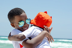 Brotherly love (Anthony. B) Tags: nikon d7000 portrait portraits kids love brothers beach glasses sunglasses boys boy 50mm18g summe
