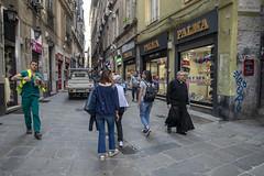 Genova (fe_pop on&off) Tags: genova cittàvecchia unesco unescoheritage patrimoniodellunesco street streetphoto streetfoto liguria