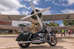 CFR5503 Harley-Davidson Vs Antonov2 (Carlos F1) Tags: nikon d300 lell sabadell aeroport aeropuerto fpac transporte transport harley davidson harleydavidson motorbike moto aviation aviacion antonov antonov2 spalg aircraft airplane aeroplane avión aeronave aviación barcelona spain