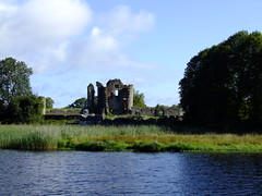 DSCF0676 Ruins of Crom Old Castle (minminatmidnight) Tags: fujifilmfinepixs100fs lougherne upper lower fermanagh northernireland ireland irland nordirland river fluss see lake water wasser boat boot hausboot boatholidays bootsurlaub houseboat inverduke aghinver abcboats landschaft landscape outdoor outdoors trip boattrip natur nature erne rivererne erneriver boatcruise upperlougherne crom cromcastle old alt castle burg ruin ruins ruine ruinen cromoldcastle oldcromcastle riverscape flusslandschaft