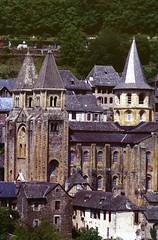 Conques (Aveyron) (Cletus Awreetus) Tags: france massifcentral aveyron conques architecture tour abbatiale église clocher artroman rouergue