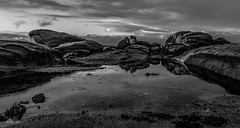 San_Vicente_do_Mar_094-BN (byJMdF) Tags: 2011 año eventos lugares ogrove pontevedra viaje galicia españa luz natural mar ria piedra tormenta blancoynegro bn naturephotography naturaleza bay bahia bnw water agua sky cielo clouds nubes playa marina paisaje atardecer puestadesol ocaso