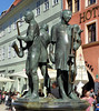 Münzenberger Musikanten (Gertrud K.) Tags: quedlinburg europe germany saxonyanhalt unesco worldheritagelist sculptures fountain