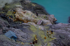 Banino_20180422-055605-43 (airbreather) Tags: ijen crater volcano volcanic sulfur sulfurous sulfuric miner mining toxic gases fumes