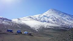 Estação de apoio no Vulcão Osorno - Chile (Tiago Nomack) Tags: chile férias osorno puerto varas frutillar cajon del maipo andes cordilheiras