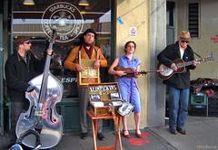 Seattle: Pike Place street music (Henk Binnendijk) Tags: seattle washington usa pikeplacemarket pikeplace streetmusic streetmusicians slimpickins country folk buskers