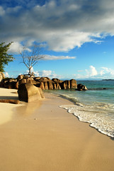 Late afternoon at Anse Kerlan beach (Gastone Segala) Tags: seychelles mare spiagge