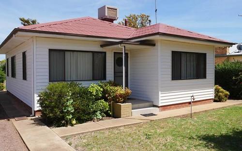 17 Daalbata Rd, Leeton NSW