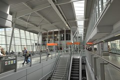 UKABEL2013_2400 (wallacefsk) Tags: poland warsaw ªiäõ μø¨f airport 波蘭 華沙