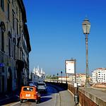 Pisa - Renault 4 thumbnail