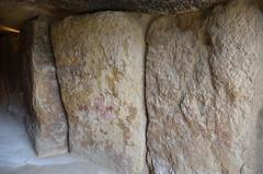 Andalucía - Málaga - Antequera - Dólmenes - Dolmen de Menga (eduiturri) Tags: andalucía málaga antequera dólmenes dolmendemenga