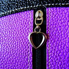 DSC02039 (omirou56) Tags: 11 macro heart sonydschx60v purple black weeklythemes freetheme heartshaped smileonsaturday preciouspurple psp