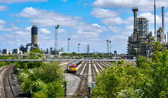 60044 at Humber Refinery (robmcrorie) Tags: humber kingsbury oil refinery immingham 60044 6m00 tanks rail railway train fail fan nikon d7500