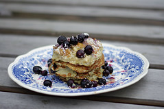 Blueberry pancakes (Blue sky and countryside) Tags: bluebery pancakes healthy tasty yummy breakfast fullofgoodness bananas healthykitchen derbyshire homemade pentax