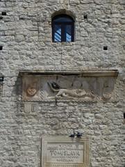 """Porte de Terre-Ferme"" (XIIIe) et escalier-pont (XIXe), Korčula, comitat de Dubrovnik-Neretva, Dalmatie, Croatie. (byb64) Tags: korčula curzola sabbioncello dubrovnikneretva dalmatie dalmatia dalmatien dalmacia dalmazia croatie hrvatska europe europa eu ue meradriatique adriatique adriatischesmeer adria adriatic adriaticsea adriático maradriático mareadriatico vue view vista veduta ville citta ciudad town city stadt fortification poetr gate puerta portedeterreferme porta xiiie13th moyenage medioevo middleages edadmedia mittelalter"