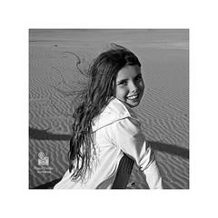 Celeste.. (hadamadrina) Tags: retrato portrait blancoynegro bnw celeste amor verano tarde fotografía hija playa beach summer vacaciones