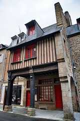 Rue Nationale (Yuri Rapoport) Tags: 2015 fougères illeetvilaine bretagne brittany france fachwerk timberframeconstruction
