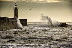 porto (jackyg170) Tags: océan atlantique portugal porto mer paysage landscape faroldefelgueiras phare sea splash vagues vent wind tempete