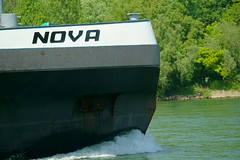MS NOVA (Lutz Blohm) Tags: msnova containerschiff mannheim gütermotorschiff rhein rheinschifffahrt binnenschifffahrt binnenschiffe fluskilometer418 fe70300goss sonyalpha7aiii