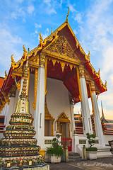 Hall of The Reclining Buddha (Sound Quality) Tags: wwwmichaelwashingtonaecom bangkok thailand asia culture travel viaje tailandia art canon50d temple wat hall reclining buddha recliningbuddha pho watpho buddhism architecture sky design chedi shrine unesco