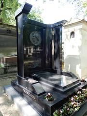 Cimetière de Montmartre: tomb of Hector Berlioz (John Steedman) Tags: フランス france frankreich frankrijk francia parigi parijs 法国 パリ 巴黎 montmartre cimetièredemontmartre cgth friedhof cimetière cemetery cementerio grave tomb