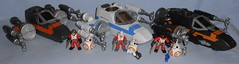 Galactic Heroes - Sequel X-Wings (Darth Ray) Tags: hasbro star wars galactic heroes sequel xwings starwars galacticheroes x wings poes xwing fighter resistance poe dameron poedameron boosted bb8