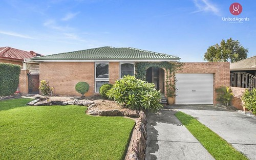 15 Turquoise Cr, Bossley Park NSW 2176