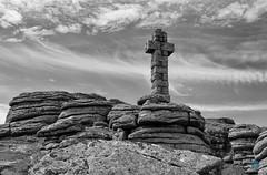 Brat Tor - Dartmoor (pm69photography.uk) Tags: brattor devon dartmoor southwest sony sonya7r3 sonya7riii loxia loxia50mm loxialens zeissloxia 50mm cross stonecross bw blackandwhite monochrome niksilverfx atmospheric atmosphere