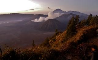 INDONESIEN, Java, Sonnenaufgang am Gunung BROMO (serie), 17395/9945