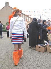 juxtaposition (muffett68 ☺ heidi ☺) Tags: nieuwegein nl orange clothing kingsday juxtaposition
