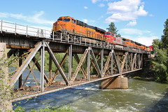 Dryden, Washington (UW1983) Tags: trains railroads bnsf scenicsub intermodal intermodaltrains dryden washington bridges wenatcheeriver