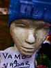 Buenos Aires, 2018. (federicosaxo) Tags: caba buenos aires color colour gorro street calle streetshot streetshoot negocio vidriera perdimos