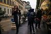 Milano Street Walking - Hey Siri (In.Deo) Tags: milano lombardia italy street