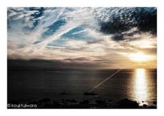 a ray of light...just before magic hour (kouji fujiwara) Tags: xpro2 fujifilmxpro2 fujifilm seascape dusk sunset fineart fine art magichour magic hour beem ray