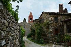 Castello di Cennina (thomas.amicabile) Tags: italia italy paesaggio panorama paesaggistica paesaggi panoramiche borghi borgo toscana tuscany antico landscape cennina centrostorico