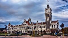 Dunedin railway station (Miradortigre) Tags: station estacion bahnhof tren ferroviario arquitectura architecture stone piedra dunedin newzealand nuevazelanda