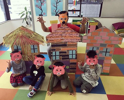 We recreated one of our favorite stories and re-enacted the story. We took turns being the big bad wolf! 🐷🐺✨ Star Kids International Preschool, Tokyo. ⭐️ #starkids #international #preschool #school #children #kids #kinder #kindergar